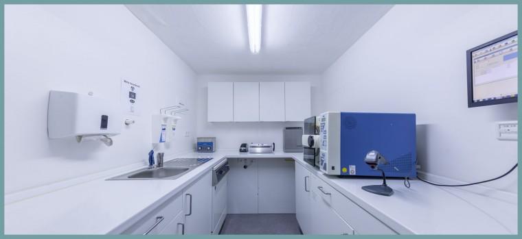 Sterilisationsraum-A&P-Zahnmedizin-Hannover